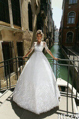 Свадебный салон Bonjour Свадебное платье Hezer из коллекции La Douceur