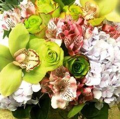 Магазин цветов Прекрасная садовница Букет с орхидеей и гортензией