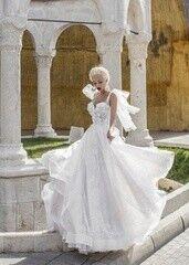Свадебное платье напрокат Daria Karlozi Свадебное платье «Confident Hibiscus»