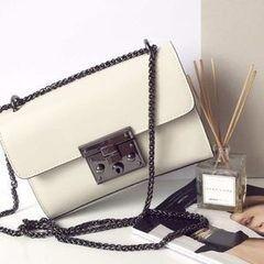 Магазин сумок Vezze Кожаная женская сумка C00163