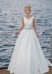 Свадебное платье напрокат Edelweis Платье свадебное «Lescaut»