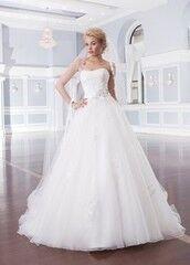 Свадебное платье напрокат Lillian West Платье свадебное «Ainsley»