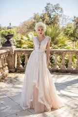 Свадебный салон Daria Karlozi Свадебное платье Магнолия