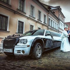 Прокат авто Прокат авто с водителем, Chrysler 300c Limousine