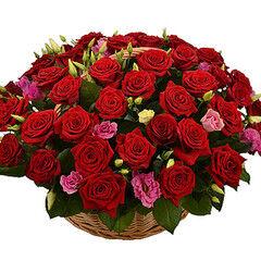 Магазин цветов Cvetok.by Цветочная корзина «Сладкая страсть»
