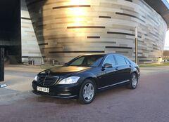 Аренда авто Mercedes-Benz S-Class W221 Long Restyling AMG 4 Matic 5.5 чёрный