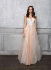 Свадебное платье напрокат Destiny Collection Платье свадебное 1808
