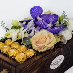 Магазин цветов Долина цветов Цветочная композиция «Неожиданный сюрприз»