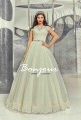 Свадебный салон Bonjour Свадебное платье «Rumi» из коллекции LAMBRE 2017