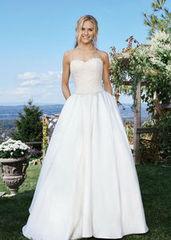 Свадебное платье напрокат А-силуэт Lillian West Платье свадебное Astin