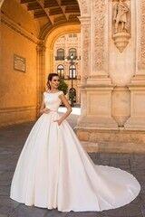 Свадебный салон Crystal Платье свадебное Raffaella
