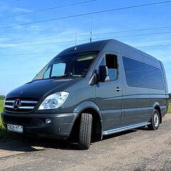 Прокат авто Аренда микроавтобуса Mercedes-Benz Sprinter черный 8 мест VIP
