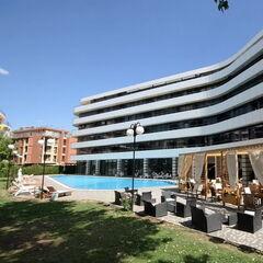 Туристическое агентство Боншанс Молодёжный тур в Болгарию, Солнечный Берег, международный центр «Холидей» (корпус Bumerang Residence)