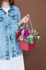 Магазин цветов ЦВЕТЫ и ШИПЫ. Розовая лавка Композиция в розовой коробочке с пионовидной розой (размер 35*25 см)