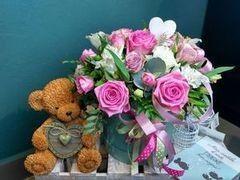 Магазин цветов Cvetok.by Цветочная корзина «Коробка Счастья»