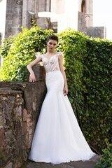 Свадебный салон Bonjour Свадебное платье «Klassa» из коллекции LA SENSUALITE 2017