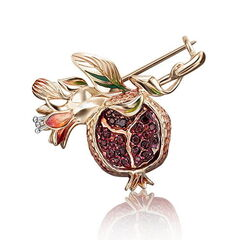 Ювелирный салон Платина Брошь из красного золота с гранатом 04-0186-00-204-1110-57