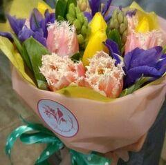 Магазин цветов Прекрасная садовница Букетик с тюльпанами, гиацинтами и ирисами