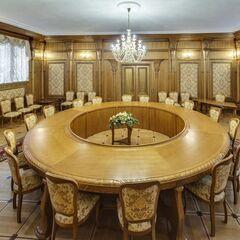 Банкетный зал Dipservice Hall Деревянный зал