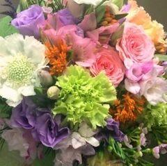 Магазин цветов Прекрасная садовница Букет со скобиозой, эустомой и розой
