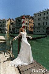 Свадебный салон Bonjour Свадебное платье Fugion из коллекции La Douceur