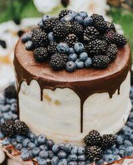 Торт DOLCE Праздничный торт «Ежевичный взмах»