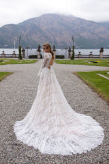 Свадебное платье напрокат Daria Karlozi Свадебное платье Alessandra