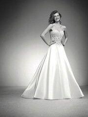 Свадебное платье напрокат Pronovias Платье свадебное «Iona»