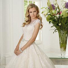 Свадебное платье напрокат Ronald Joyce Платье свадебное Rosalinda 68017