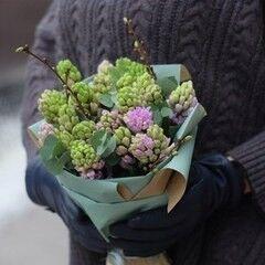 Магазин цветов VETKA-KVETKA Монобукет из гиацинтов 209