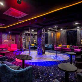 Стриптиз клуб минск тусовки в клубах в москве