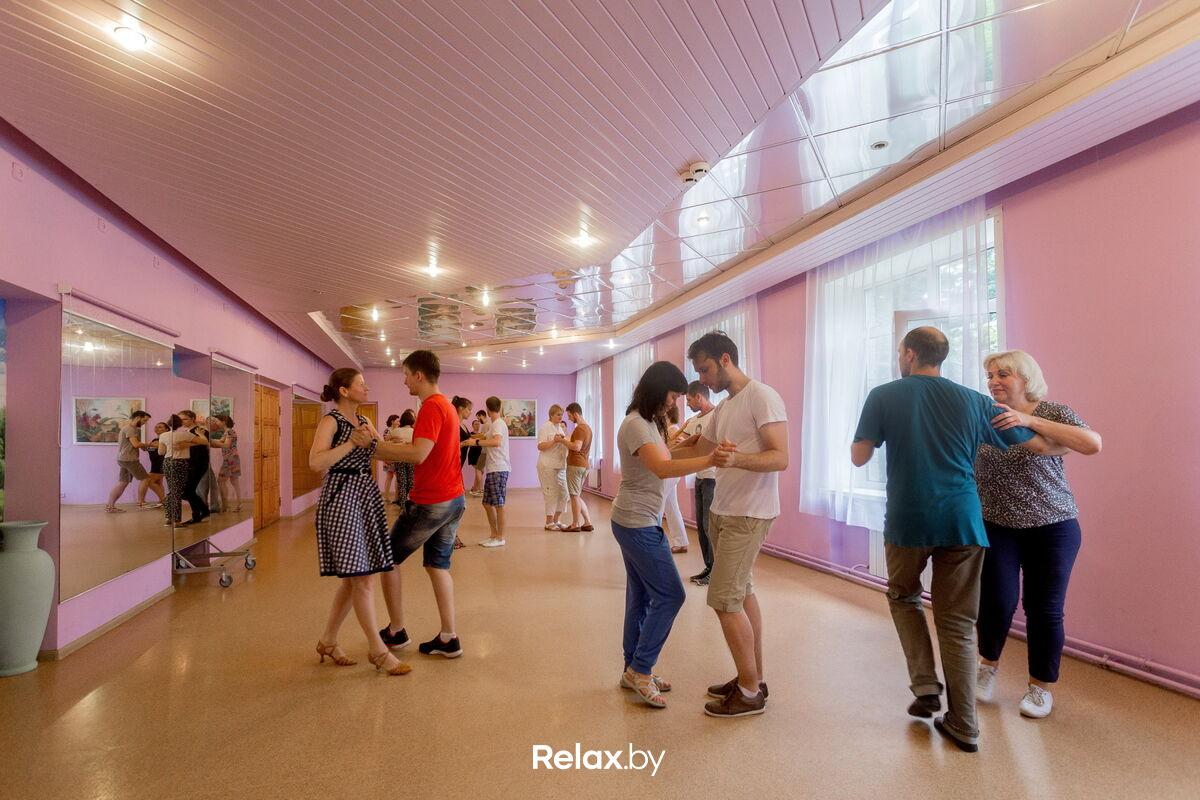 Танцевальный зал Студия парных социальных танцев «Tumbao (Тумбао)» - фото 3641655