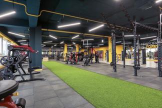 Фотофакт: на Логойском тракте за 14 дней открылся фитнес-центр площадью 1200 кв.м.