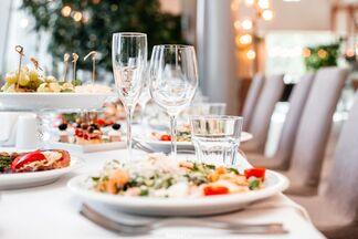 Как правильно составить свадебное меню и от чего зависит цена на банкет?