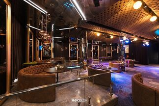 Фотофакт: на Зыбицкой открывается новый ресторан-караоке — «Ходят слухи»