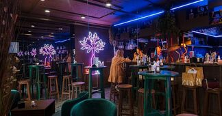 Фотофакт: в «Маяке Минска» открылся небольшой бар, который прижился бы и на Зыбицкой